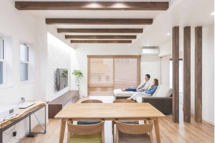 VOICE24 G様邸 物を置かずシンプルに建物の素材を楽しむ家